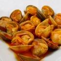 Almejas con salsa de gambas