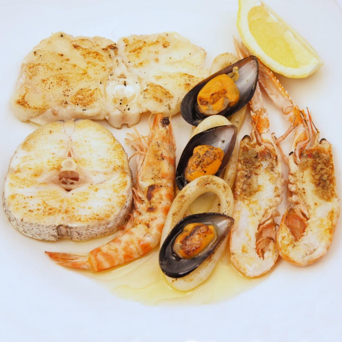 Parrillada de marisco y pescado